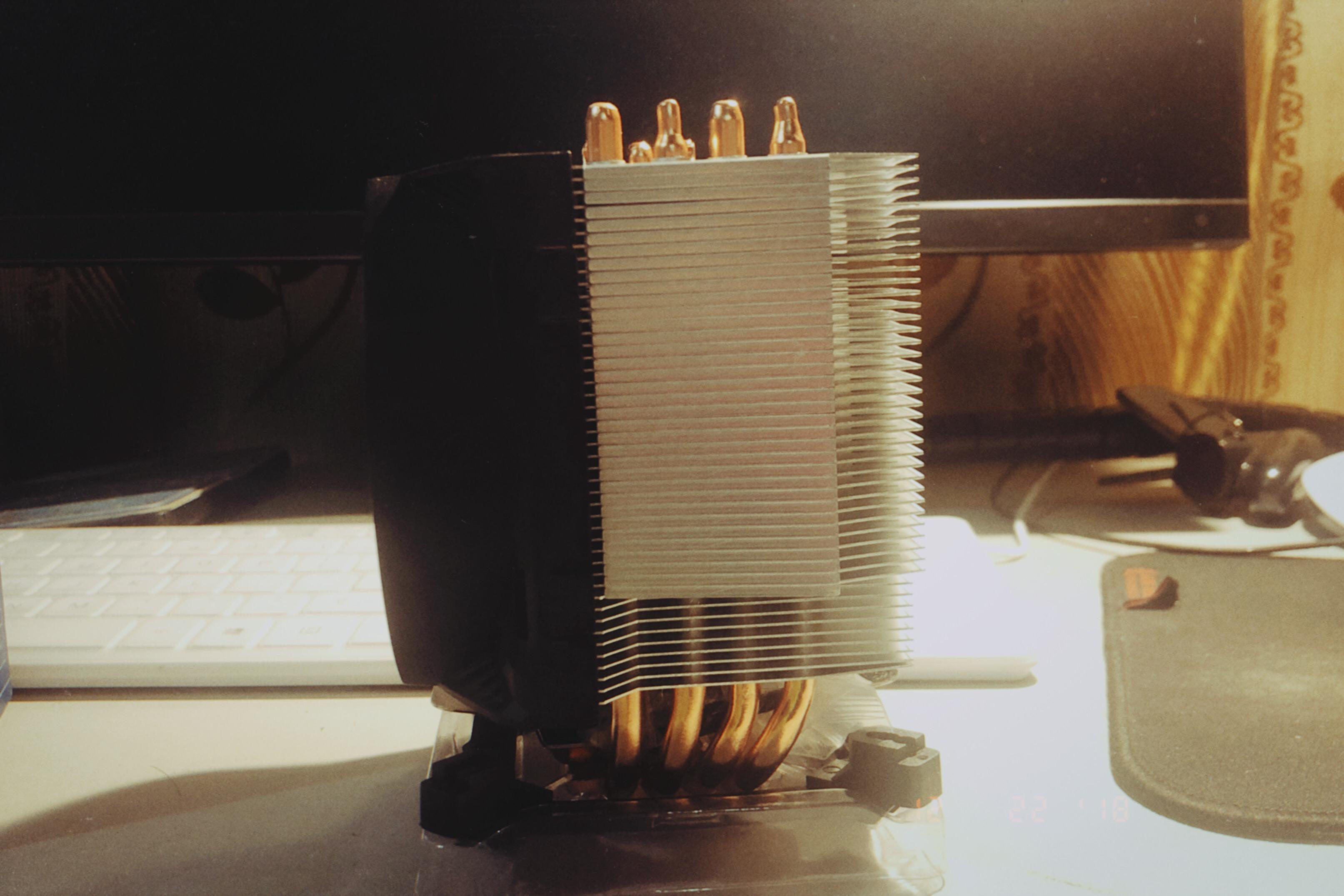 散热器侧面